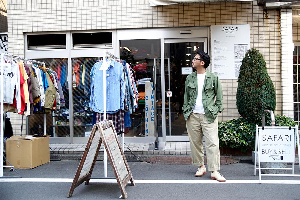 まずはサファリの旗艦店である1号店前で、アニ立ち。