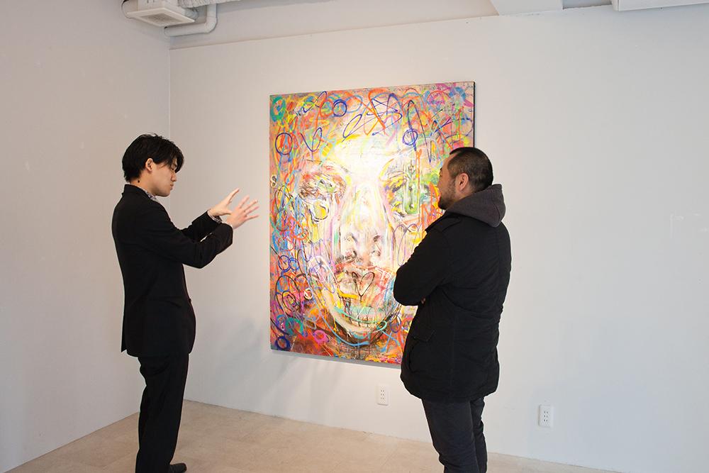 「阿佐ヶ谷のマダムが絵を買ってくれたりするんですよ」と意外な情報に黒田さんもびっくり。