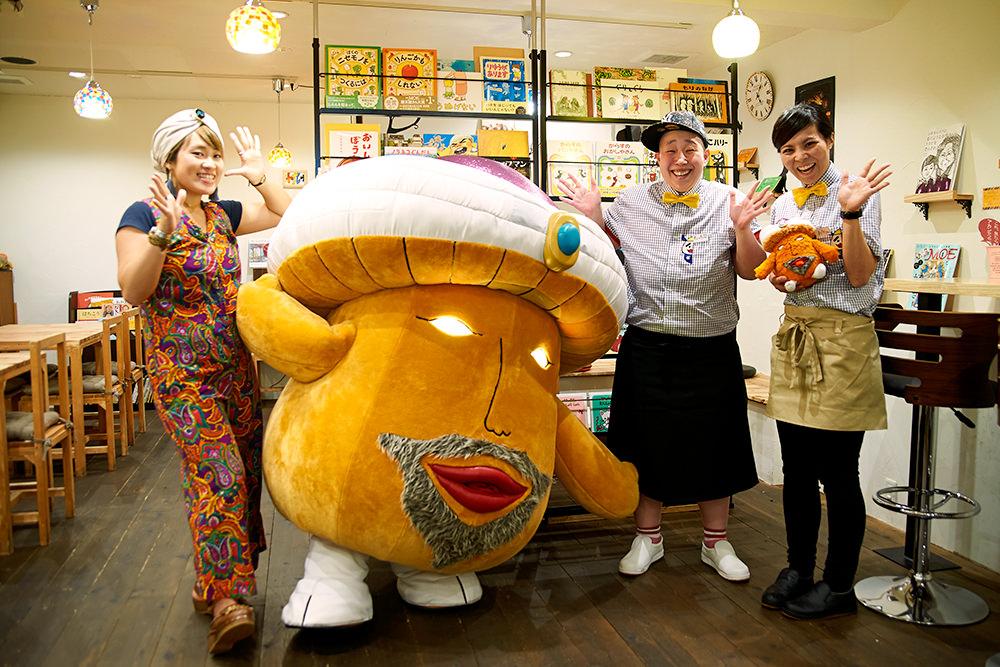 店主のまどかさん(一番右)は「サイケ・デリーさんと仲良くなりたい!」とツイートしていたほどの大ファンだそう。