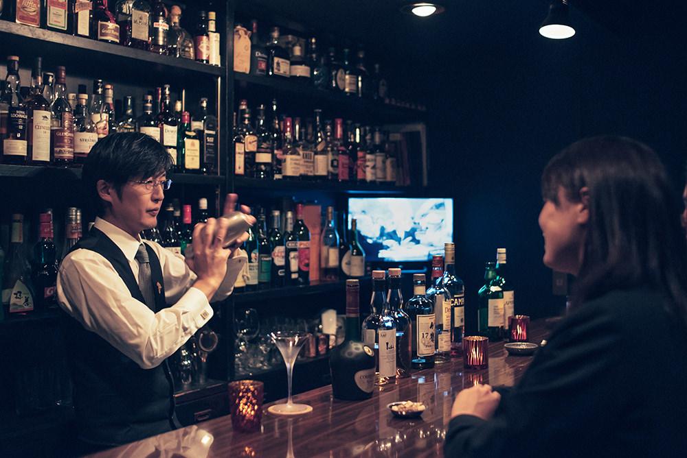 酔いも深まってきて、マスター村川さんのシェイク姿にうっとり。