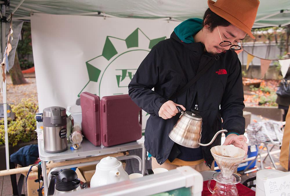 西荻のレジェンド、104歳で現役のコーヒー豆職人の安藤久蔵さんの豆を使ったコーヒーをいただきました。