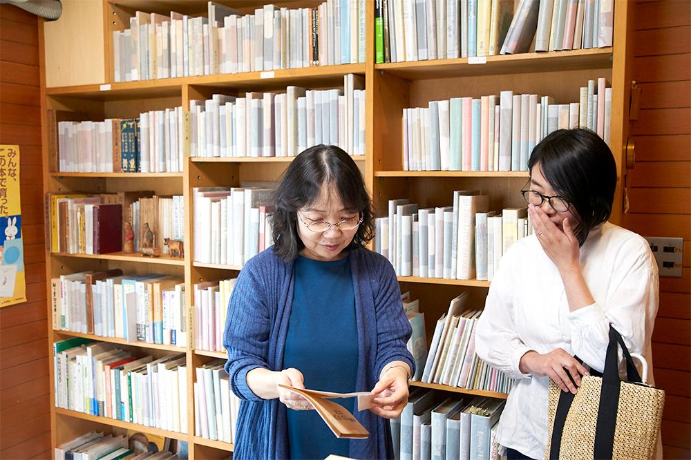 各スペースを丁寧に案内してくださった広報担当の吉田啓子さん。