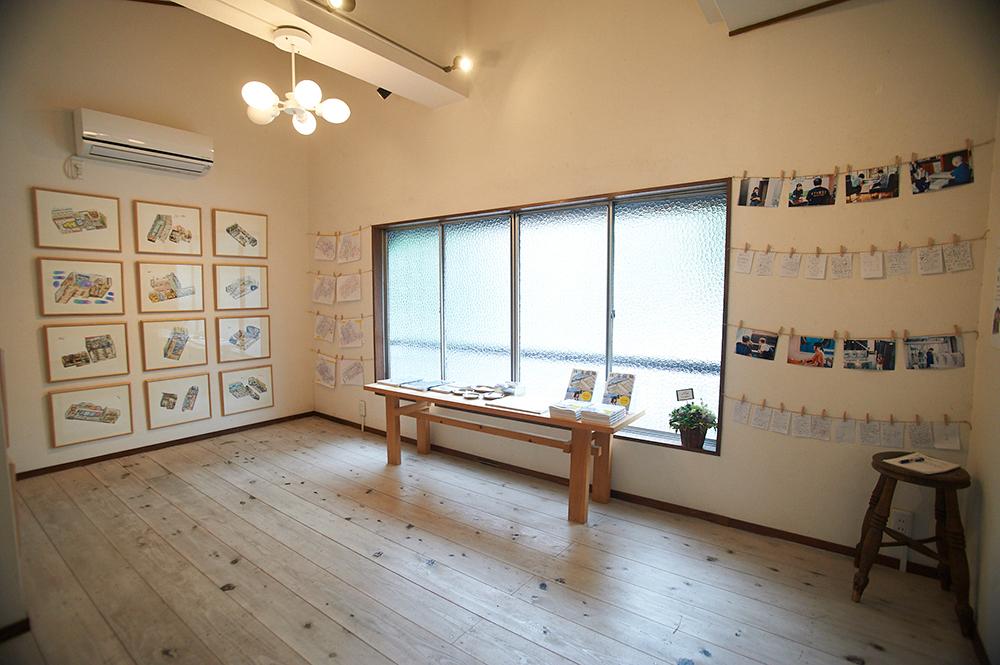 2階のギャラリースペースでは、企画展から古本市まで様々な催しが開かれています。