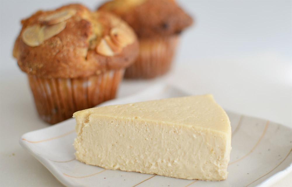 荻窪ターコイズのマフィンとチーズケーキ
