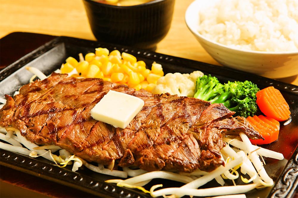 ビフテキ定食(1069円)