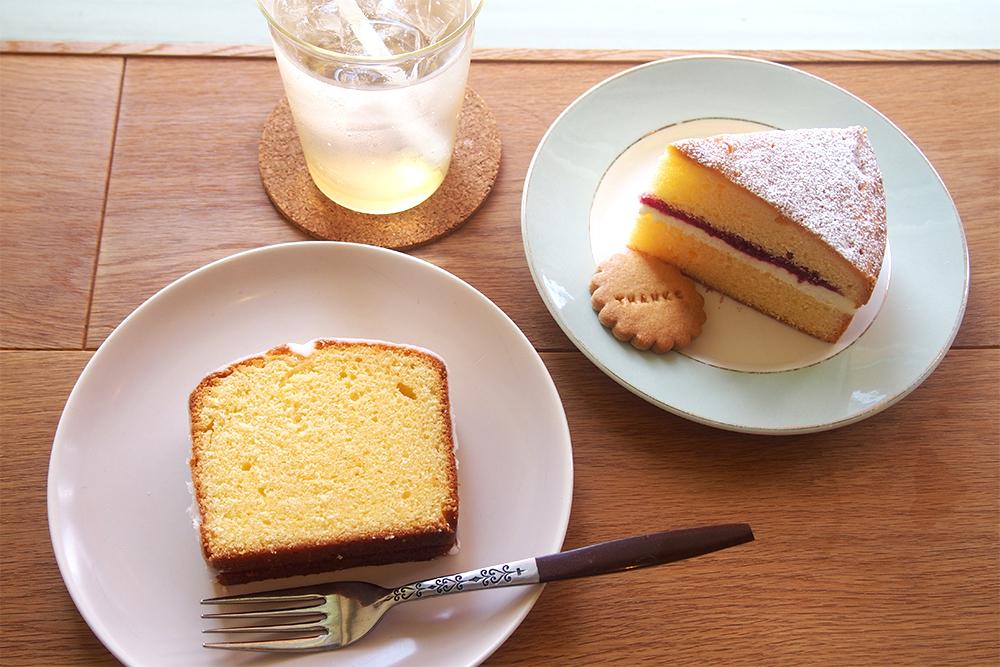 左からレモンケーキ(370円)、THANKSクッキー(50円)、ヴィクトリアケーキ(430円)